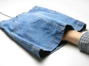 イマジネーションをかきたてるスカート型のマウスパッドが登場